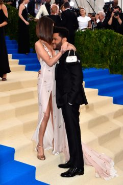 SELENA GOMEZ Y THE WEEKND